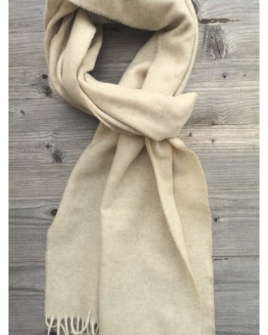 Merino wool-cashmere scarf with defect